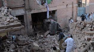 peshawar-blast-oct-15-afp-316
